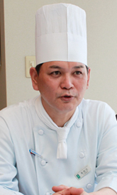 リザンシーパークホテル谷茶ベイ チーフ 我如古明さん