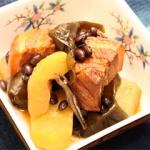 ピリ辛肉と黒小豆の煮物 - 沖縄料理レシピなら おきレシ