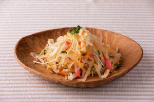 重箱料理の残りでソムタム風サラダ